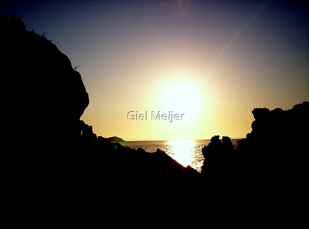 Rocks and the sun by Giel Meijer