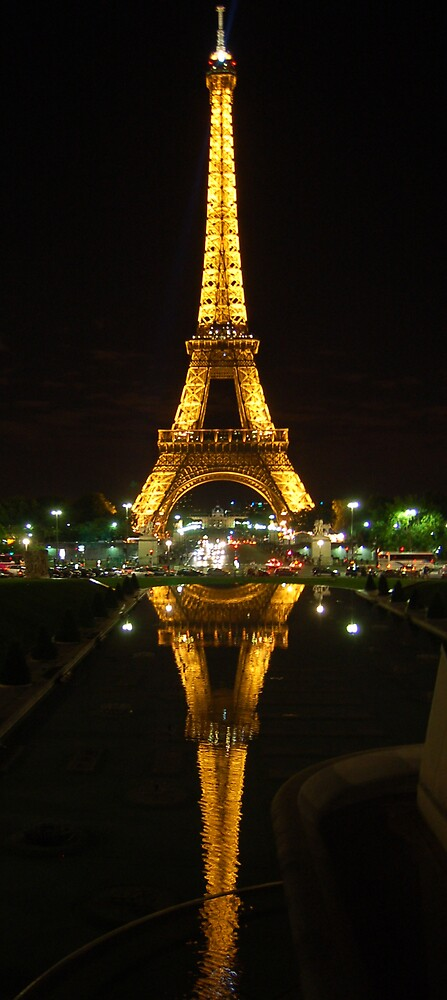 Tour Eiffel by PaulTyrer