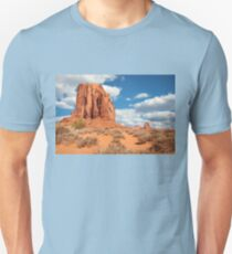 Splendid View of some of the natural monuments in Monument Valley Unisex T-Shirt
