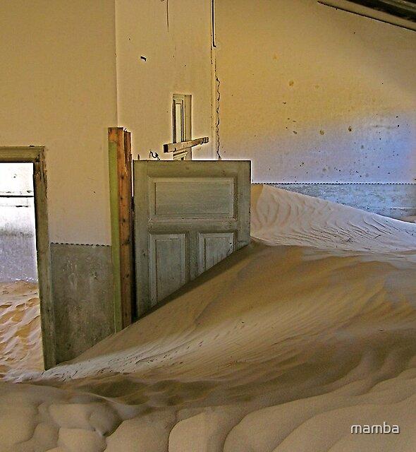desert-ed room by mamba