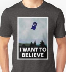 """""""I Want To Believe"""" Police Public Call Box version.  T-Shirt"""