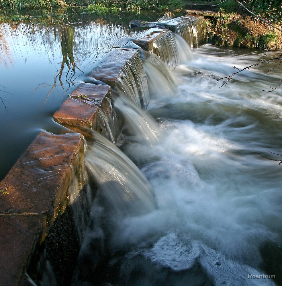 The Little Weir at Batford Springs by Roantrum