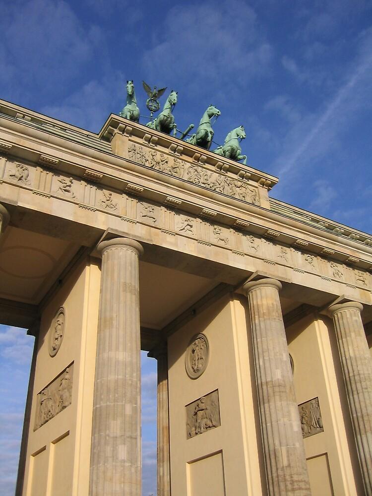 Brandenburg Gate (German: Brandenburger Tor) by BrendanBurns