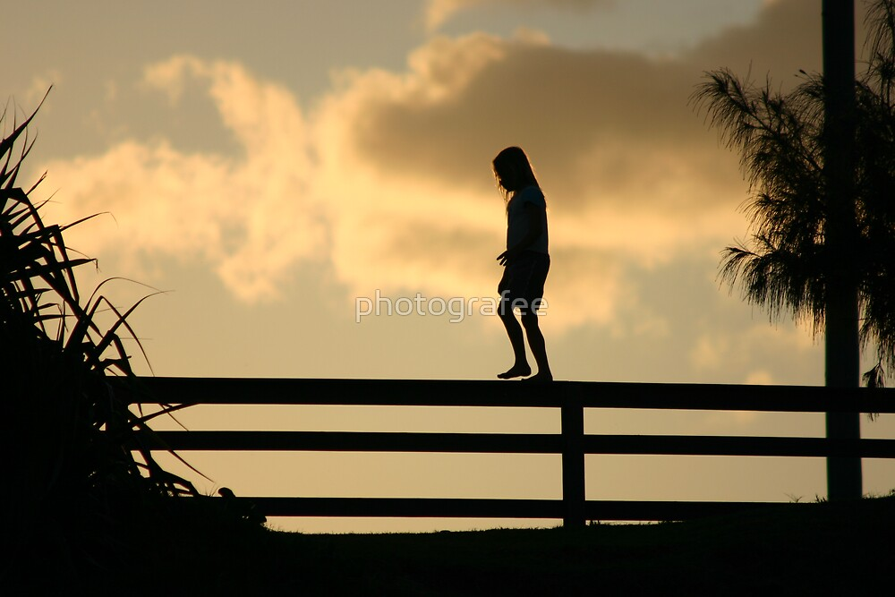 Silhouette.. by photografee