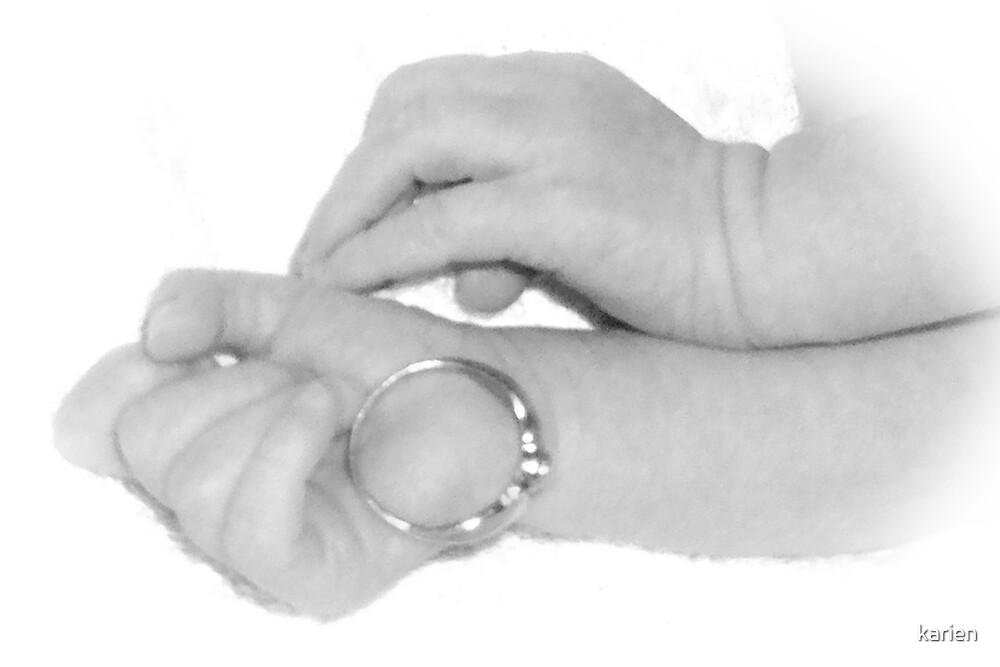 Mommies ring by karien