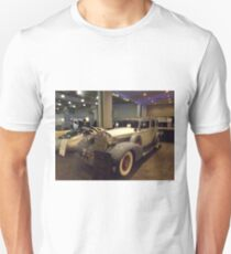 Vintage 1935 7 Passenger Limo, New York City T-Shirt