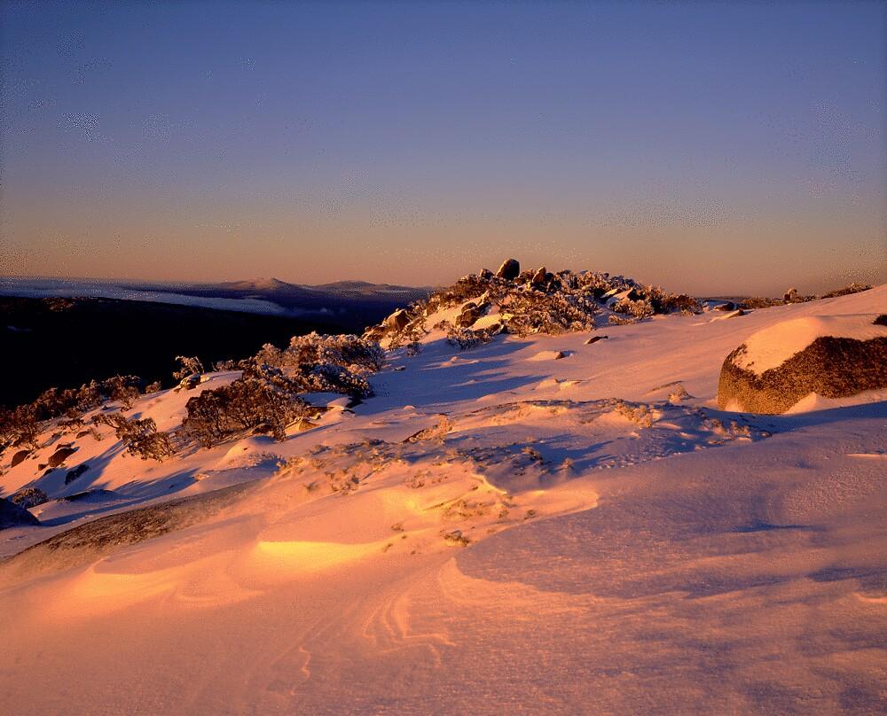 Ramshead winter sunrise. by gerard