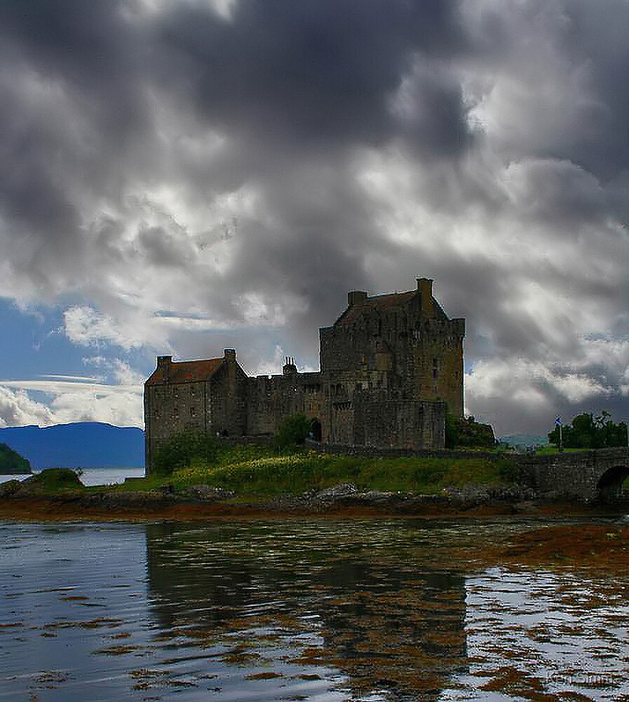 Eilean Donan by Kenart