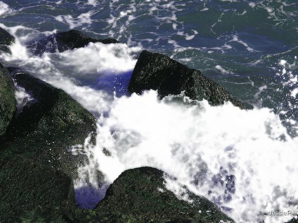 Crashing Waves by JessieP
