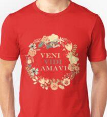 Veni, Vidi, Amavi: I Came, I Saw, I Loved (Latin) T-Shirt