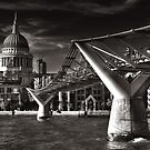 Bridge to St. Paul's by nalley