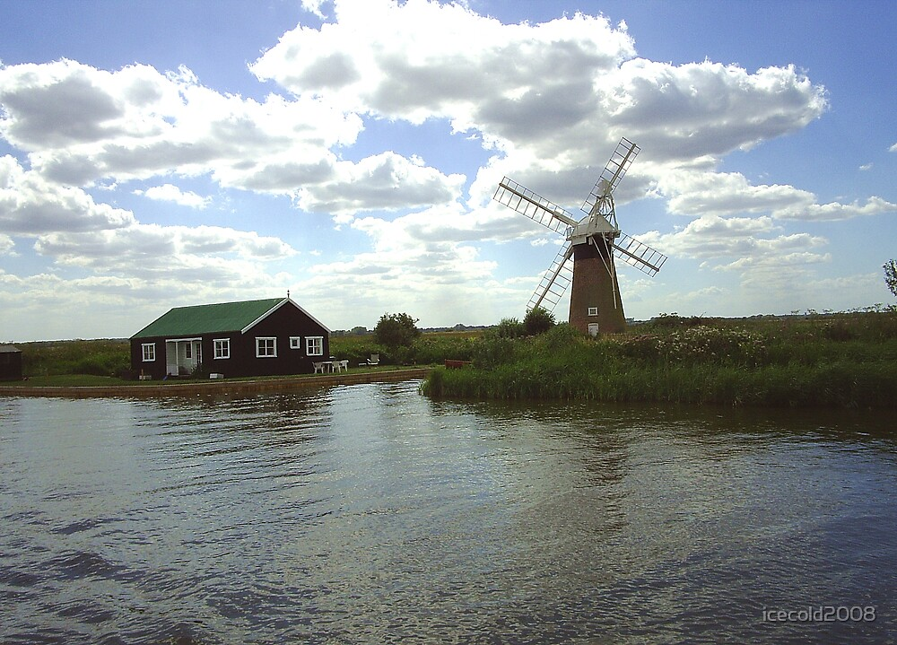 Barton Turf Drainage Mill & Summer Cabin by icecold2008