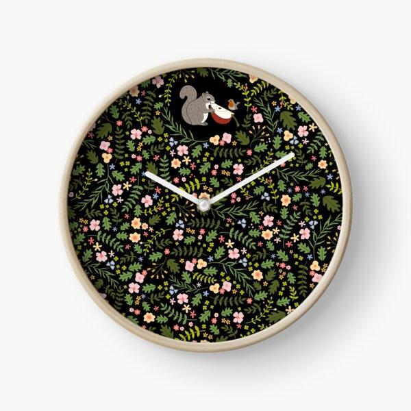 Friendship Squirrel-Robin_BgBlack Clock