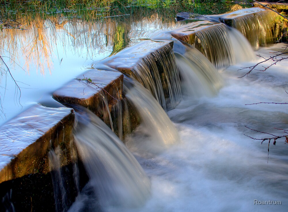 The Little Weir at Batford by Roantrum
