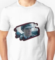 Holmes and the hat T-Shirt