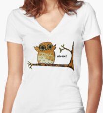Who Me? Owl Women's Fitted V-Neck T-Shirt