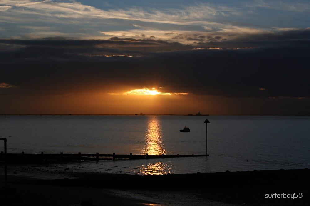 Southend Sunrise5 by surferboy58