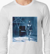 Robotic false Maria from Fritz Lang's Metropolis  T-Shirt