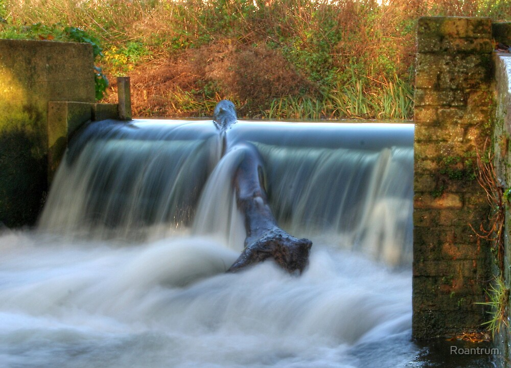 A Hertfordshire Waterfall....The Weir in the River Lea at Batford by Roantrum