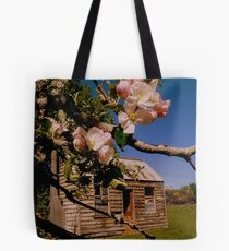 The lonely Apple Tree! - Old House - NZ - Southalnd Tote Bag