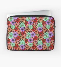 Flowers and Daisys Pattern Laptop Sleeve