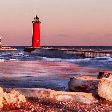 Lake Michigan in Winter by hammye01