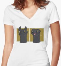 Toothless Blep Women's Fitted V-Neck T-Shirt