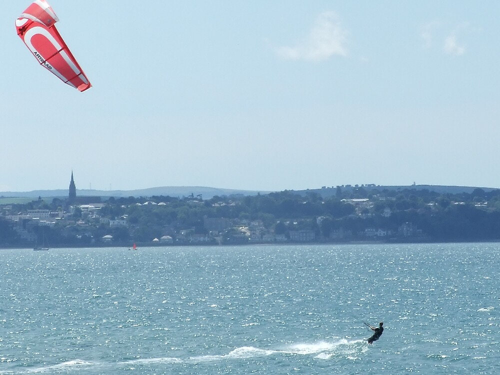 kite surfing by tilly