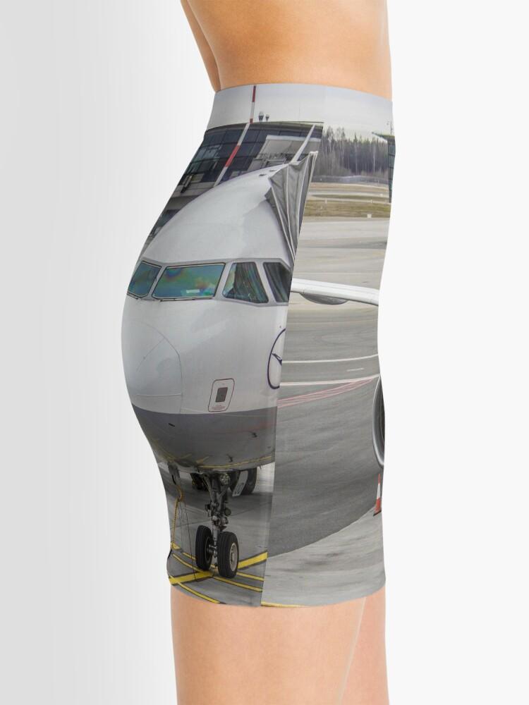 Alternative Ansicht von Lufthansa A320 Minirock