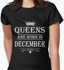 Women's Queens Are Born In December - Birthday T-Shirt, Gift for Mothers, Wife, Girlfriends T-shirt T-Shirt