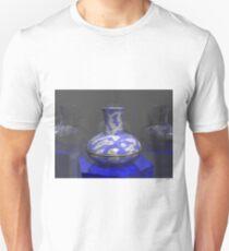 SkyVase: POV RAY CGI! T-Shirt