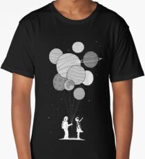 Between planets and balloons. Long T-Shirt