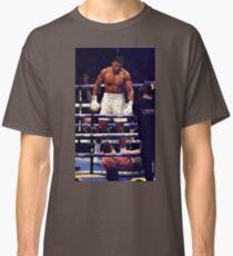 Anthony Joshua Stands Victorious Classic T-Shirt