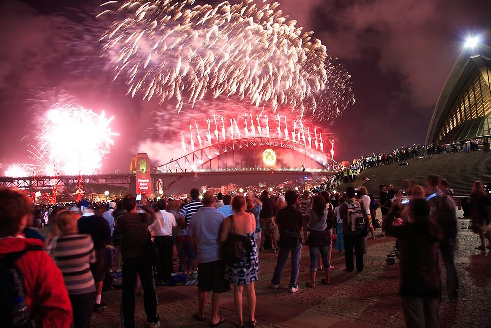 Fireworks, Sydney Harbour Bridge, New Years Eve 2 by David Jamrozik