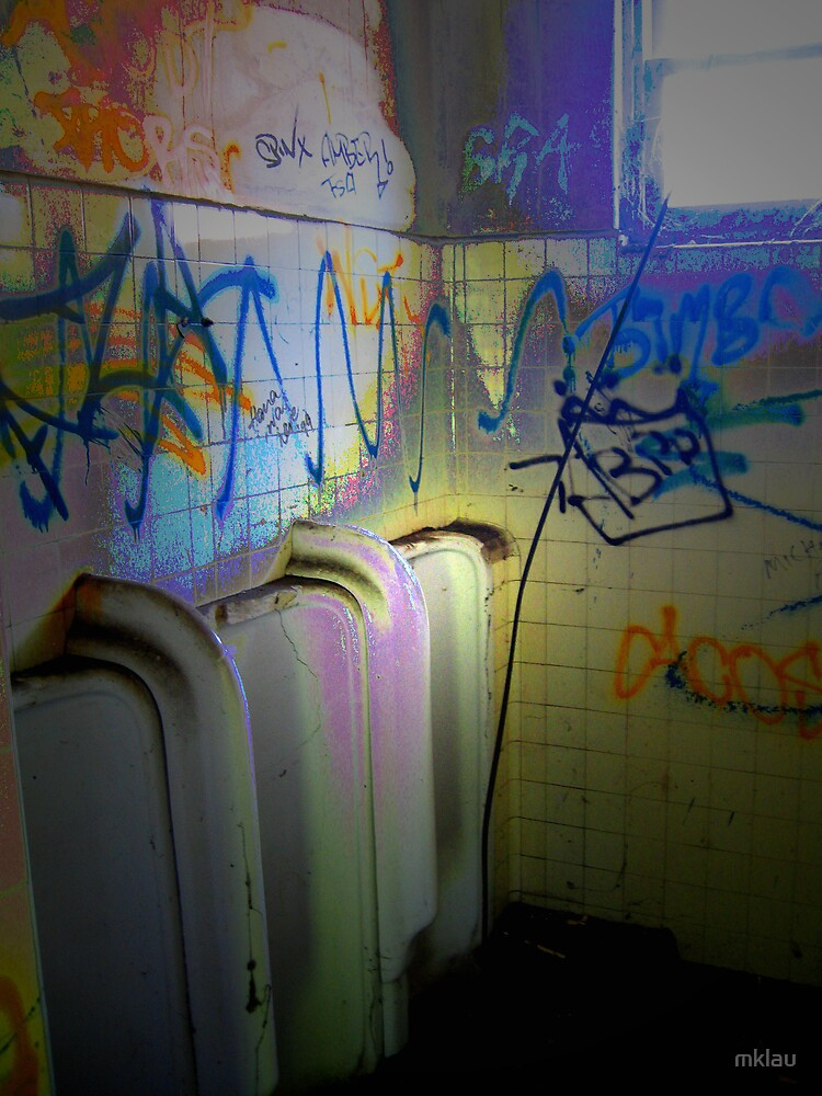 Dreamings - Of a Urinal past by mklau