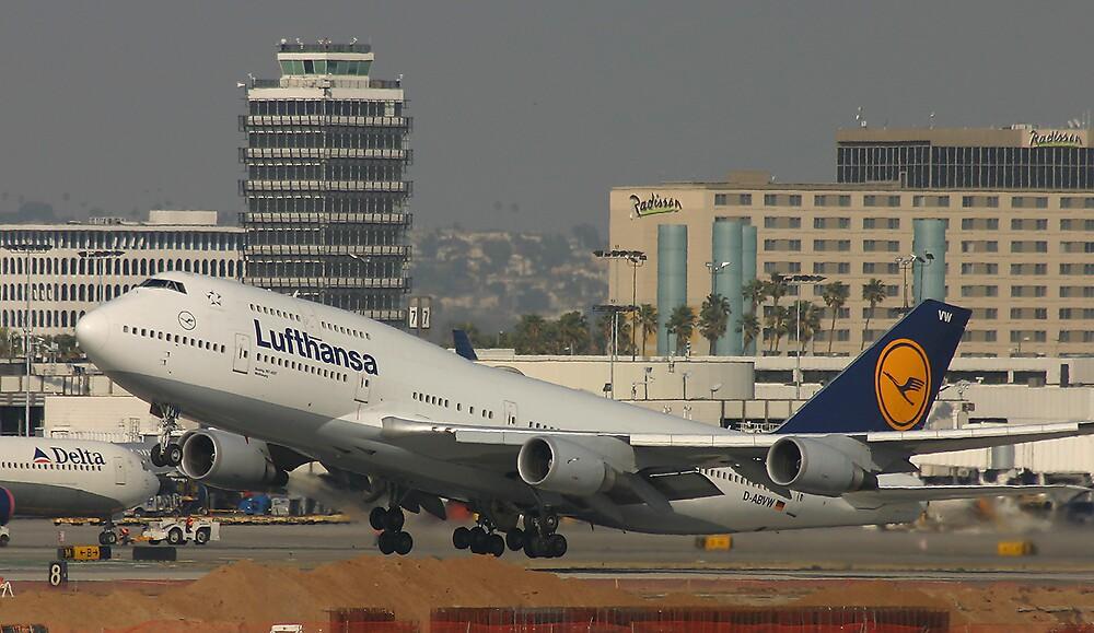 Lufthansa 747-400 by Jeremy Davis