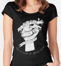 Camiseta entallada de cuello redondo Tu corazón es un reverso muscular