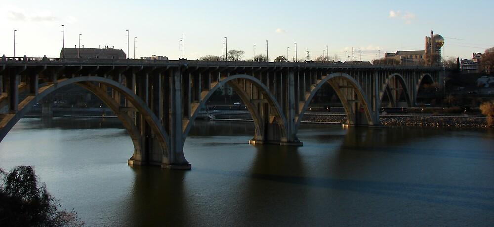 Henley Street Bridge by Vince Thompson