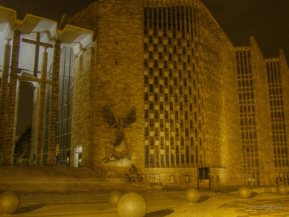 Night at Coventry Cathedral by picoriginals
