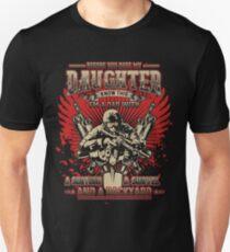 I'm a Dad with a Shotgun, a Shovel and a Backyard!! - T-shirt T-Shirt