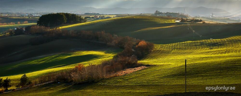 Green Hills by epsylonlyrae