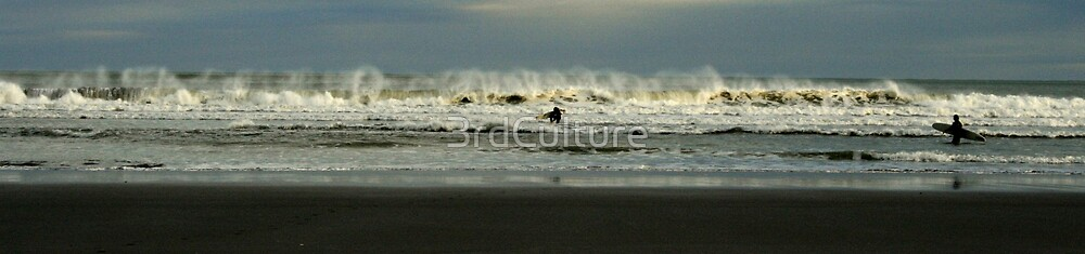 Raglan Surfers by 3rdCulture