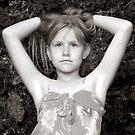 Little Poser by karien