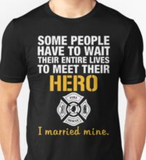 Fire man firefighter t-shirt Unisex T-Shirt