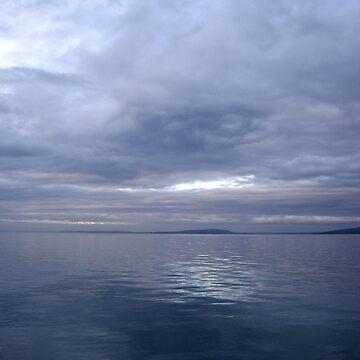Dark Blue Ocean by snuffi