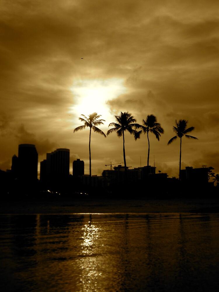 Sunrise in Honolulu by pbeltz