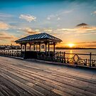 Sunset On Ryde Pier by manateevoyager