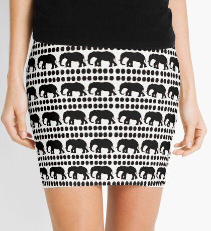 Lodge décor - Crisp White & Black Mini Skirt