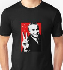 Gough instead of che, white on red Unisex T-Shirt