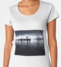 Twilight / sunset at the Asian Ocean - Natives on a boat (Hanzhong, China) Women's Premium T-Shirt